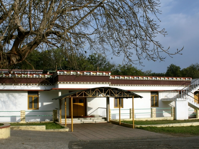 Monks kitchen and dining hall at Mindrolling Monastery.