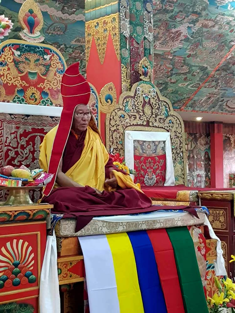 Tenzhug (long-life ceremony) offering to His Eminence Khochhen Rinpoche