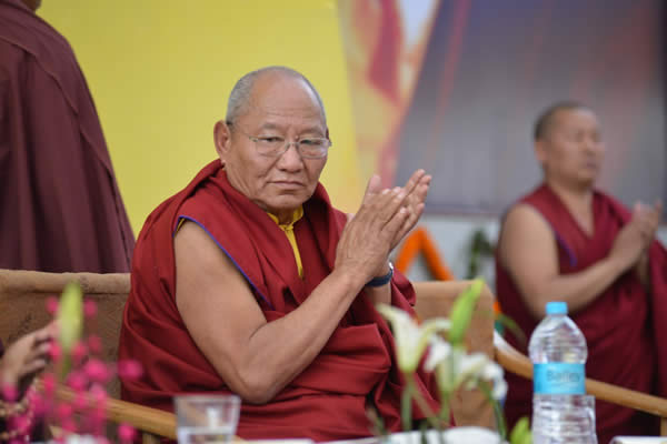 HE Khochhen Rinpoche at the presentation of awards during the Silver Jubilee celebration of the Ngagyur Nyingma College