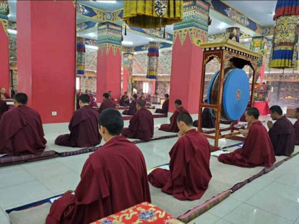 Prayers at Mindrolling Monastery -6